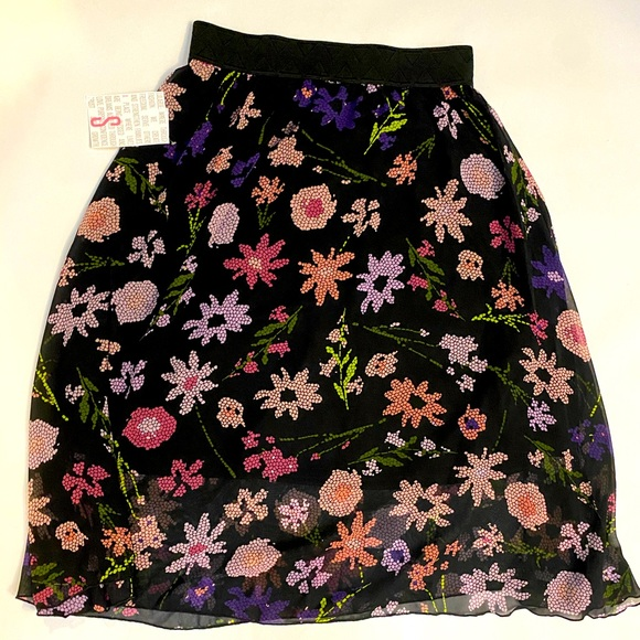 LuLaRoe Lola Skirt SizeS black floral NWT lined